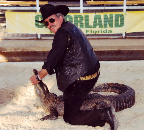 leonard-with-an-alligator